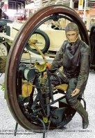 http://www.motosrusas.es/foro/uploads/thumbs/99_1910-edison-puton-monowheel-1.jpg